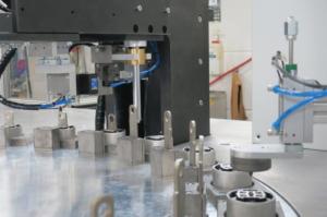 So gelingt die automatisierte Montage von Spezial-Schwingungsdämpfern
