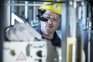 Industrieanlage virtuell warten und steuern