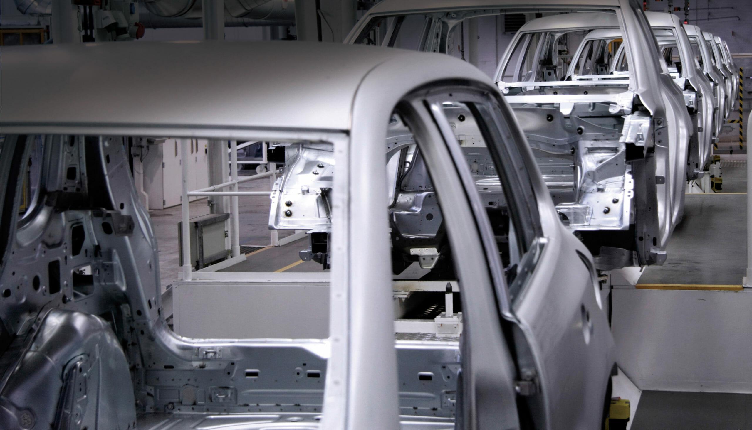 Wie eine Förderkette den Montage-Prozess im Automobilwerk verbessert